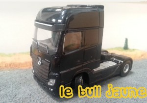 MERCEDES BENZ Actros MP4 noir