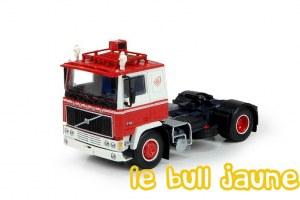 VOLVO F12 4x2 rouge/blanc