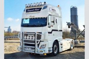 DAF XF Transport Belot